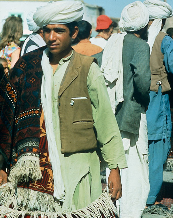 Junger Afghane
